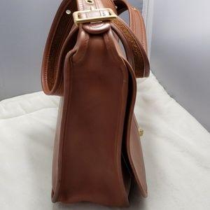 Coach Bags - Coach Vintage leather crossbody